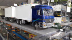 RC Wedico Mercedes Actros 3-axel Truck with 2-axel trailer rtr