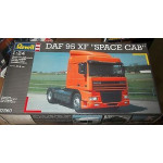 REVELL DAF 95 XF SPACE CAB 7560 TRUCK 1/24